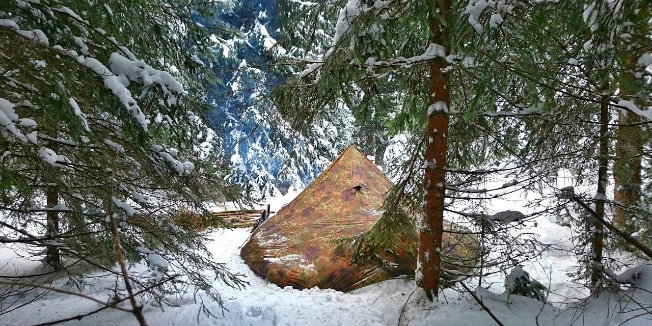 Solo Winter Bushcraft Camp – 4 Days Off the Grid [Full Documentary]